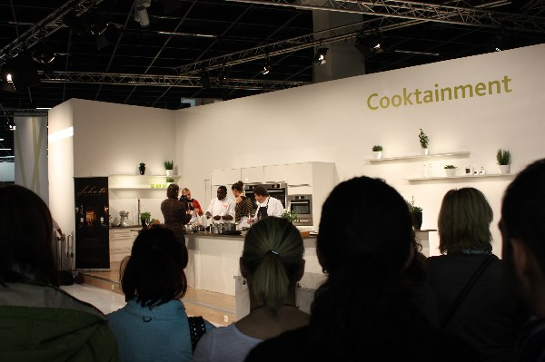 cooktainment mit nelson m ller internationale m belmesse k ln 2011. Black Bedroom Furniture Sets. Home Design Ideas