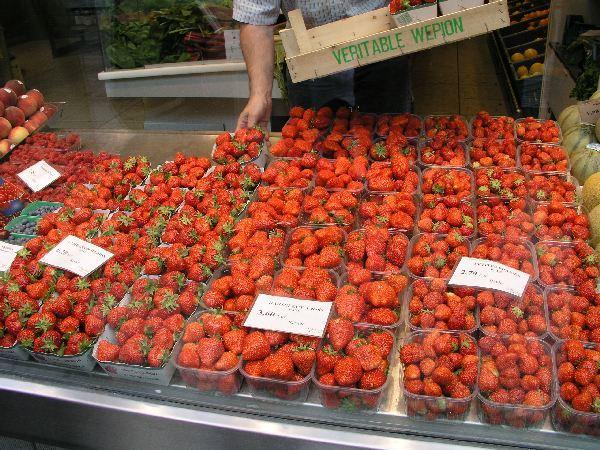 Erdbeerverkauf, Lüttich 2007