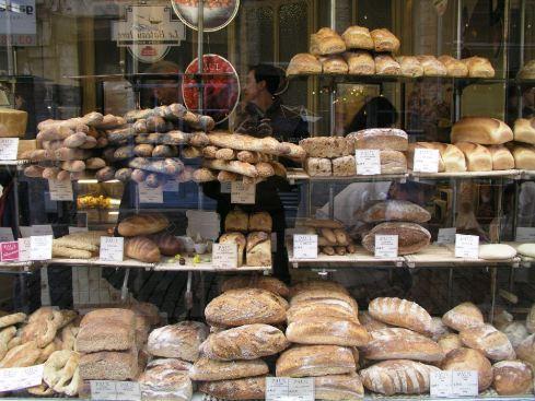 Weißbrotauslage auf Französisch, Lille 2004