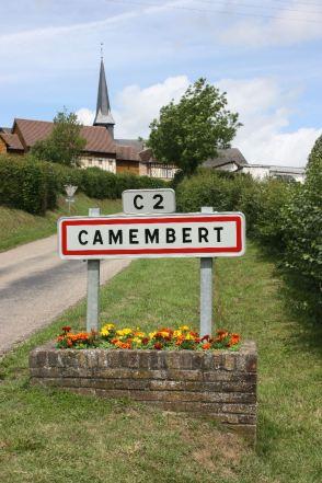 Ortsschild, Camembert/Normandie 2011