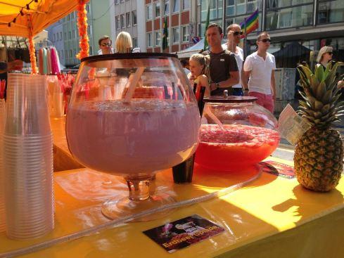 Gärbehälter auf dem Christopher Street Day, Köln 2013