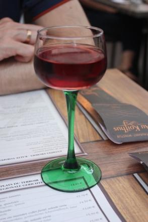 Pinot noir im regionaltypischen Glas, Colmar 2013