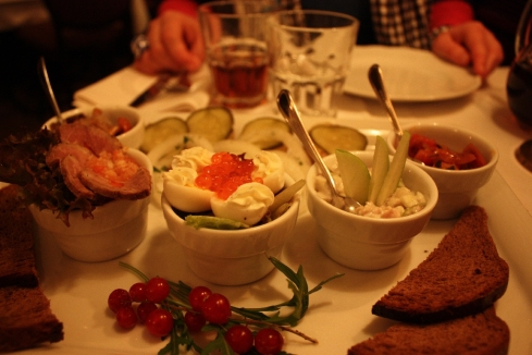 Lachskaviar auf Wachtelei, Berlin 2010