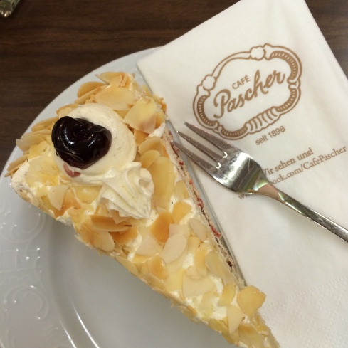 Vanille-Buttercreme im Café Pascher, Köln 2015