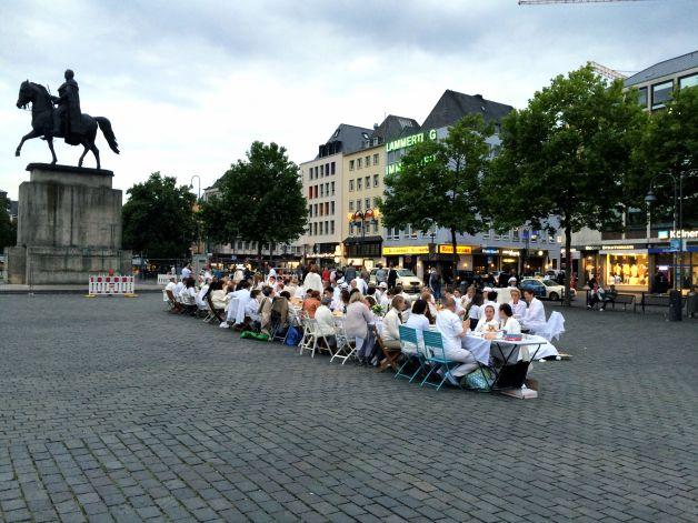 Flashmob – Dîner en Blanc, Köln 2015