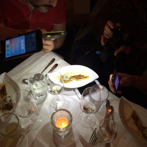 Improvisierte Lightbox beim Foodcamp Oberpfalz, Regensburg, November 2015