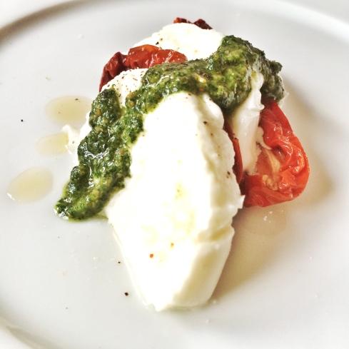 Mozzarella, getr. Tomate, Rucola-Pesto