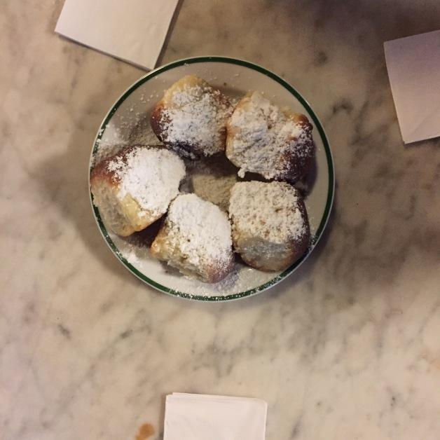Buchteln mit Powidl-Füllung im Cafe Hawelka, Wien – 12/2017