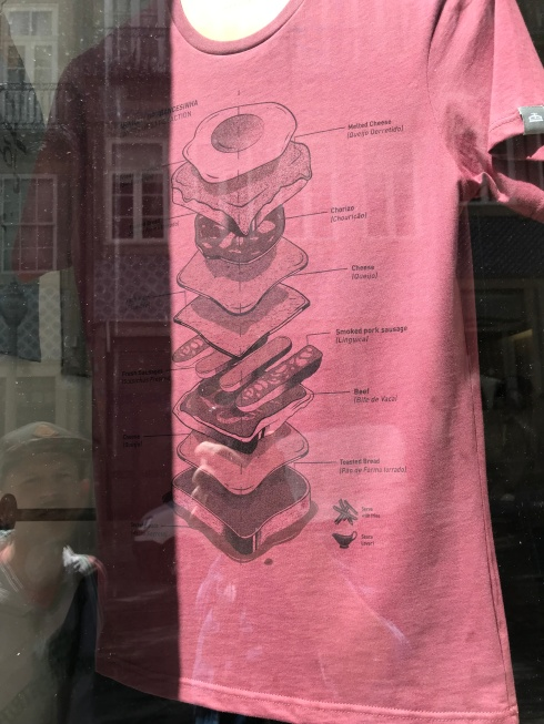 Francesinha auf T-Shirt / Typographia / Porto, April 2019